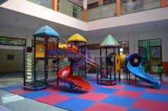 tk-alsyukro-area-bermain-indoor.jpg